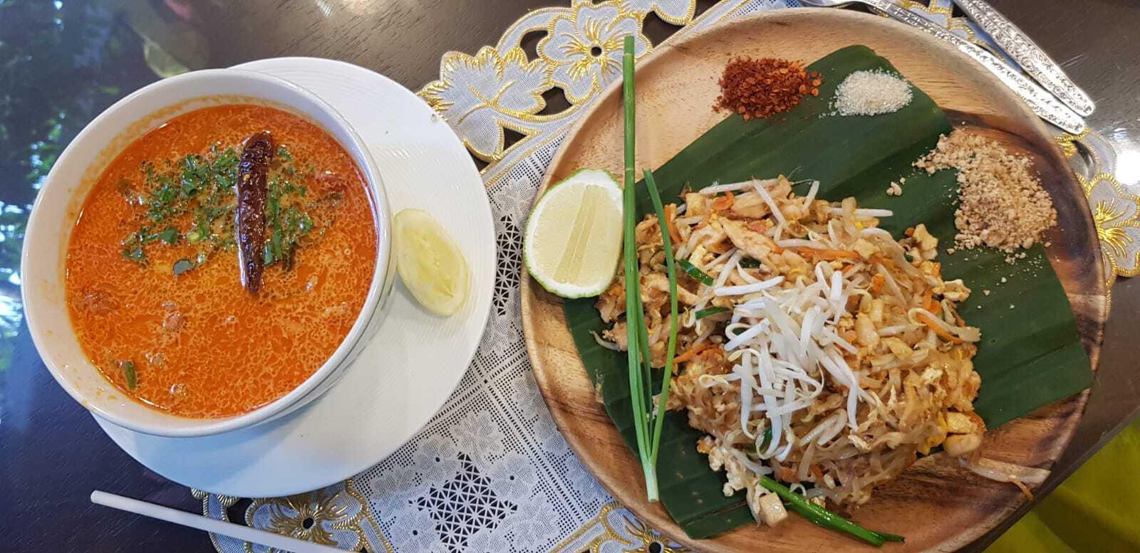 fideos pad thai y sopa tom youm